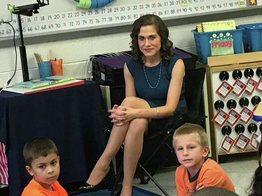 Erin Berthold, a first-grade teacher at Cook Hill Elementary School in Wallingford, is shown with some of her students  Tuesday. Photo: Luther Turmelle / Hearst Connecticut Media / New Haven Register