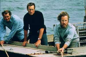 """JAWS --  L-R--Robert Shaw, Roy Scheider, Richard Dreyfuss.  HOUCHRON CAPTION (06/17/2005) SECSTAR COLORFRONT:  THE FINAL TEAM: Robert Shaw, left, Roy Scheider and Richard Dreyfuss were not the first choices for the roles in """"Jaws,"""" but today can you imagine anyone else in those roles?"""