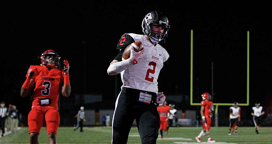 Clear Brook's Caleb Chapman (2) is coming off a monster game in his team's district opener. Photo: James Nielsen, Staff / © 2016  Houston Chronicle