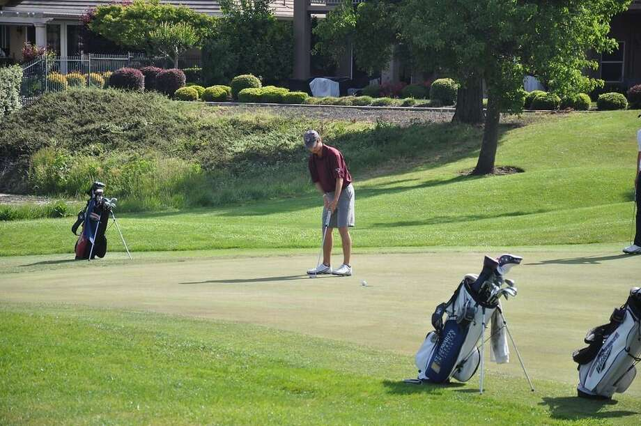 TAMIU sophomore Peter Holecamp tied for eighth place at the Newman Fall Invitational shooting an 8-over 224 (71-80-73). Photo: Courtesy Of TAMIU Athletics