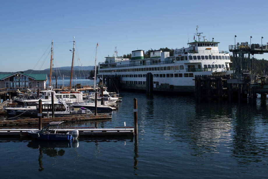 The Hyak docks at Friday Harbor on Sept. 28, 2017. Photo: GRANT HINDSLEY, SEATTLEPI.COM / SEATTLEPI.COM