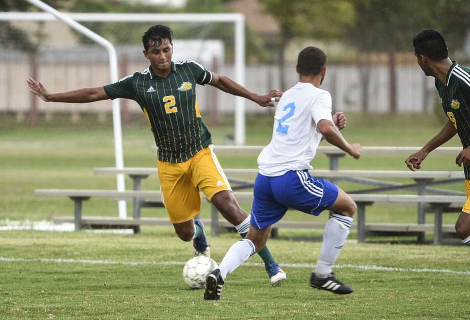 Laredo Community College's Alan Reyna and the Palominos host Jacksonville Junior College on Wednesday night at 7 p.m. at Memorial Field in a regional quarterfinal game. Photo: Danny Zaragoza /Laredo Morning Times File