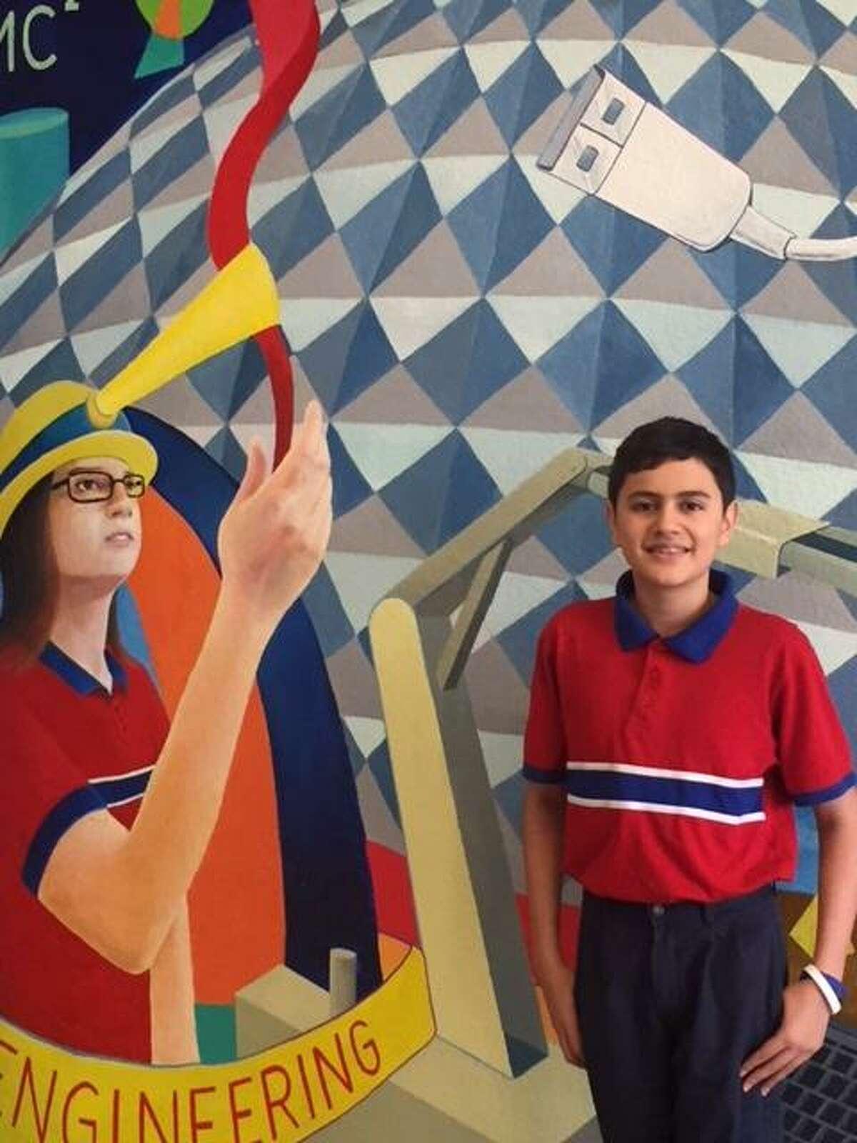 Roberto Salinas de Harmony Science Academy logró entrar al Programa Jóvenes Académicos de la Fundación Jack Kent Cooke.