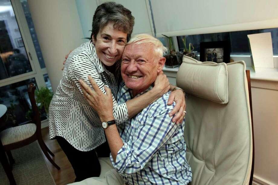 Joachim Frank with his wife, Carol Saginaw, in their New York City apartment. Photo: Richard Drew, AP / AP
