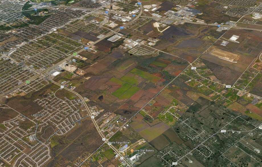 H-E-B on Friday purchased 871 acres of vacant land on the East Side in unincorporated Bexar County. Photo: Google Maps