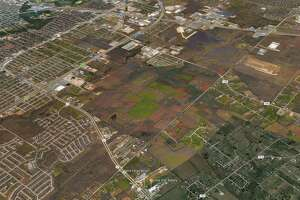 H-E-B on Friday purchased 871 acres of vacant land on the East Side in unincorporated Bexar County.