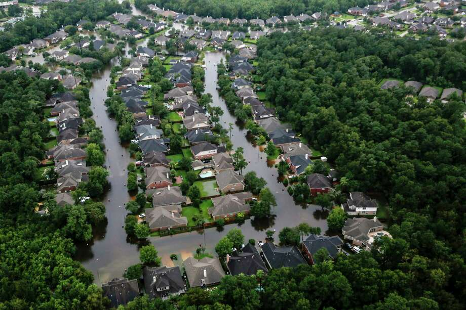 After Harvey, thousands of homeowners learned they were in a floodplain. Photo: Brett Coomer, Staff / © 2017 Houston Chronicle