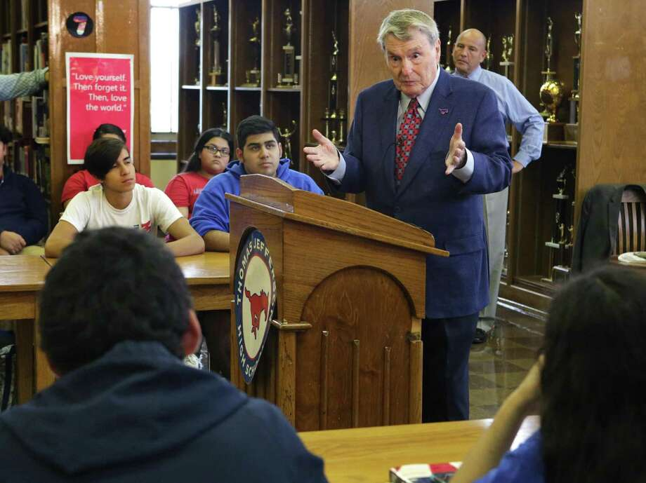 Jim Lehrer, a 1952 graduate from Jefferson High School, speaks to journalism students at the school. San Antonio Independent School District awarded him the Inspire Award for outstanding district alumni. Photo: Bob Owen /San Antonio Express-News / ©2017 San Antonio Express-News