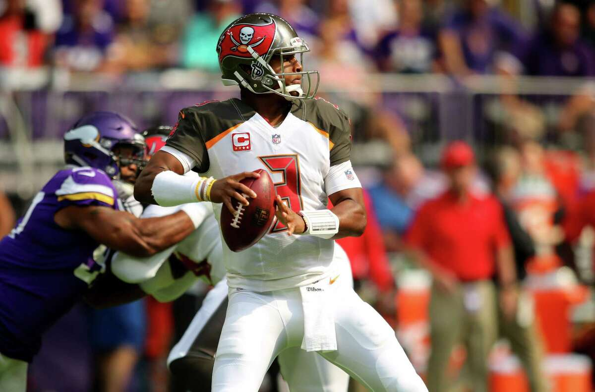 MINNEAPOLIS, MN - SEPTEMBER 24: Jameis Winston #3 of the Tampa Bay Buccaneers drops back to pass the ball in the first half of the game against the Minnesota Vikings on September 24, 2017 at U.S. Bank Stadium in Minneapolis, Minnesota. (Photo by Adam Bettcher/Getty Images) ORG XMIT: 700070638