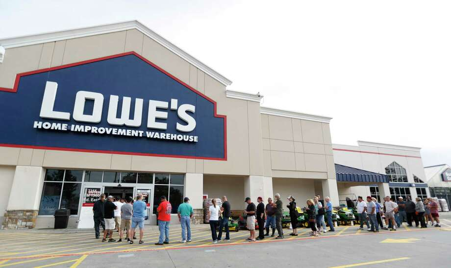 Demand has forced Lowe's and Home Depot to rent more space. Photo: Karen Warren, Staff Photographer / Internal