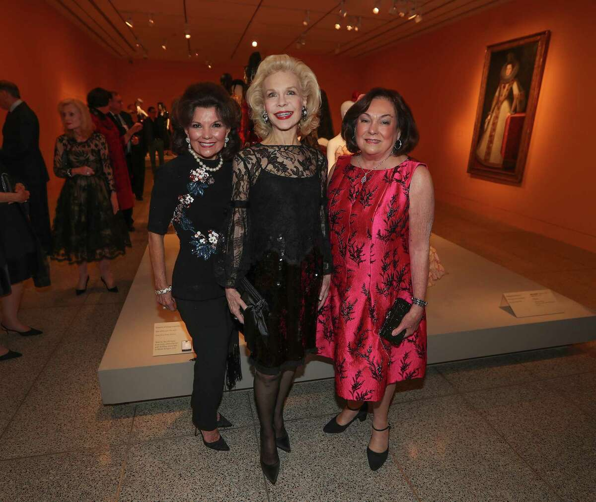 Linda McReynolds, Lynn Wyatt and Rosanette Cullen at the Museum of Fine Arts, Houston exhibition
