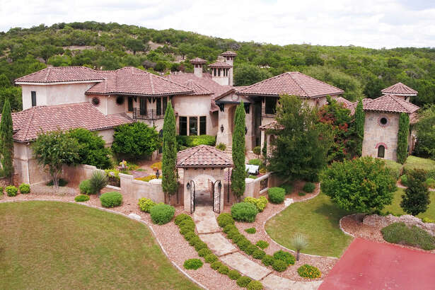 Sponsored by Patti Nelson of Keller Williams San Antonio     VIEW DETAILS for 334 Estancia Lane, Boerne, TX 78006    MLS: #1268154