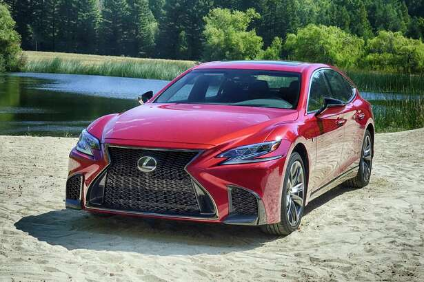 Scheduled to arrive in February, the 2018 Lexus LS is longer, lower and bolder. Among the long list of changes are slit-type projector headlights and a new twin-turbocharged V6 rated at 416 horsepower.