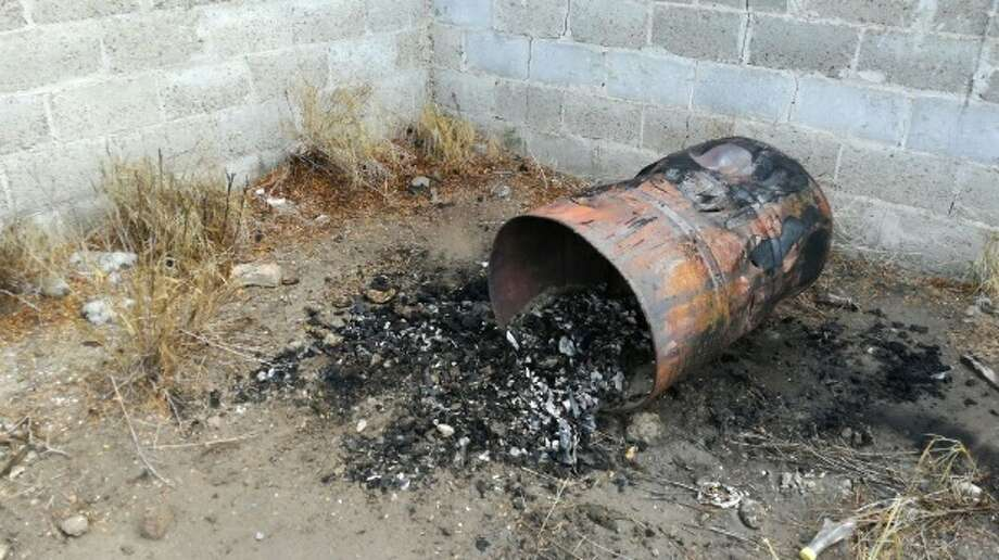 Mexican authorities discovered burned bones strewn about trash cans in the back of an abandoned home in Reynosa, which sits along the Texas-Mexico border Oct. 5, 2017, according to El Blog del Narco. Photo: Courtesy/El Blog Del Narco