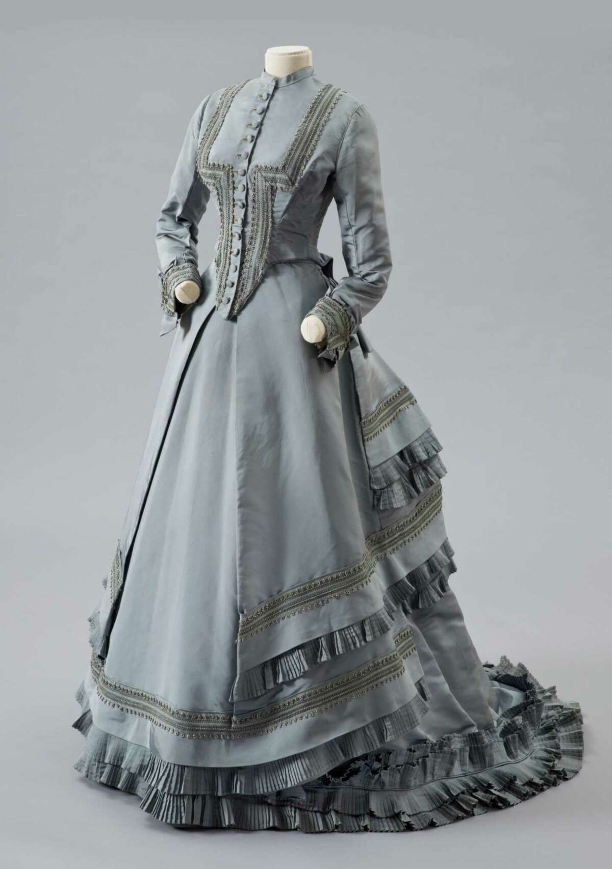 Curator Of Fashion Exibit At Albany Institute Finds Dresses Tell Tales