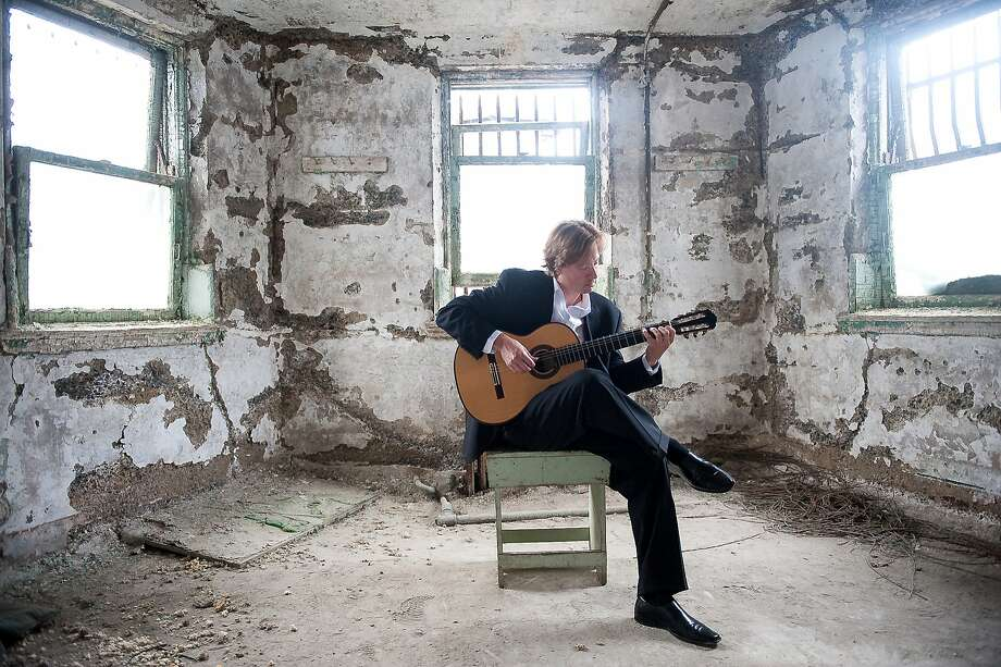 Guitarist Jason Vieaux performs Friday, Oct. 20 in Herbst Theatre. Photo: Tyler Boye