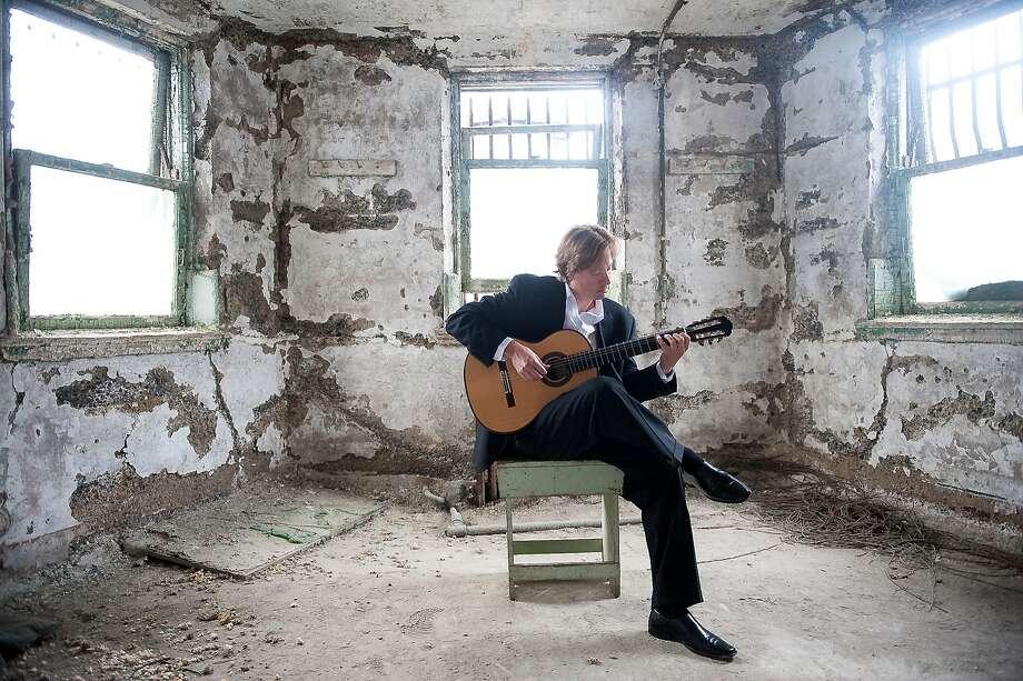 Guitarist Jason Vieaux performs Friday, Oct. 20 in Herbst Theatre. Photo: Tyler Boye