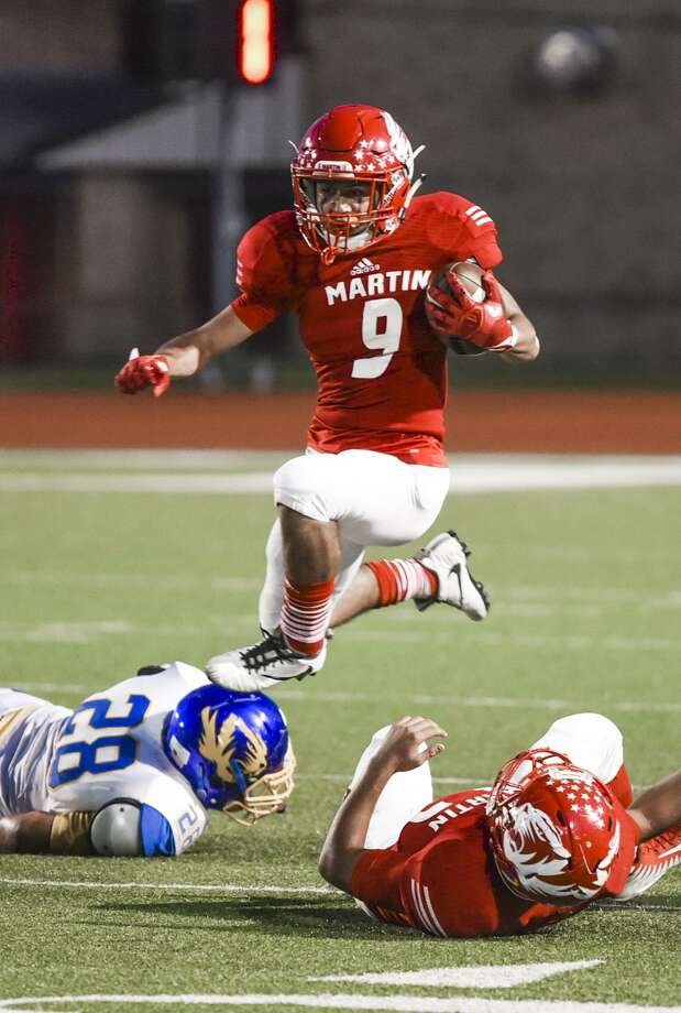 Martin wide recevier Angel Davila and the Tigers topped Valley View 45-19 on Thursday night at Shirley Field. Photo: Danny Zaragoza /Laredo Morning Times