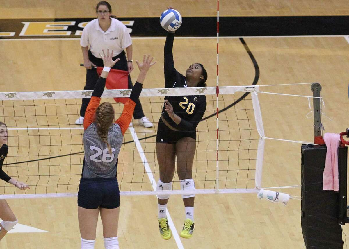 Dulles graduate and Southern Miss freshman Chandler Marshall is off to a strong start to her NCAA career, leading the Golden Eagles with 221 kills (3.25 per set) and adding 108 digs, 22 blocks and nine aces in her first 19 matches.