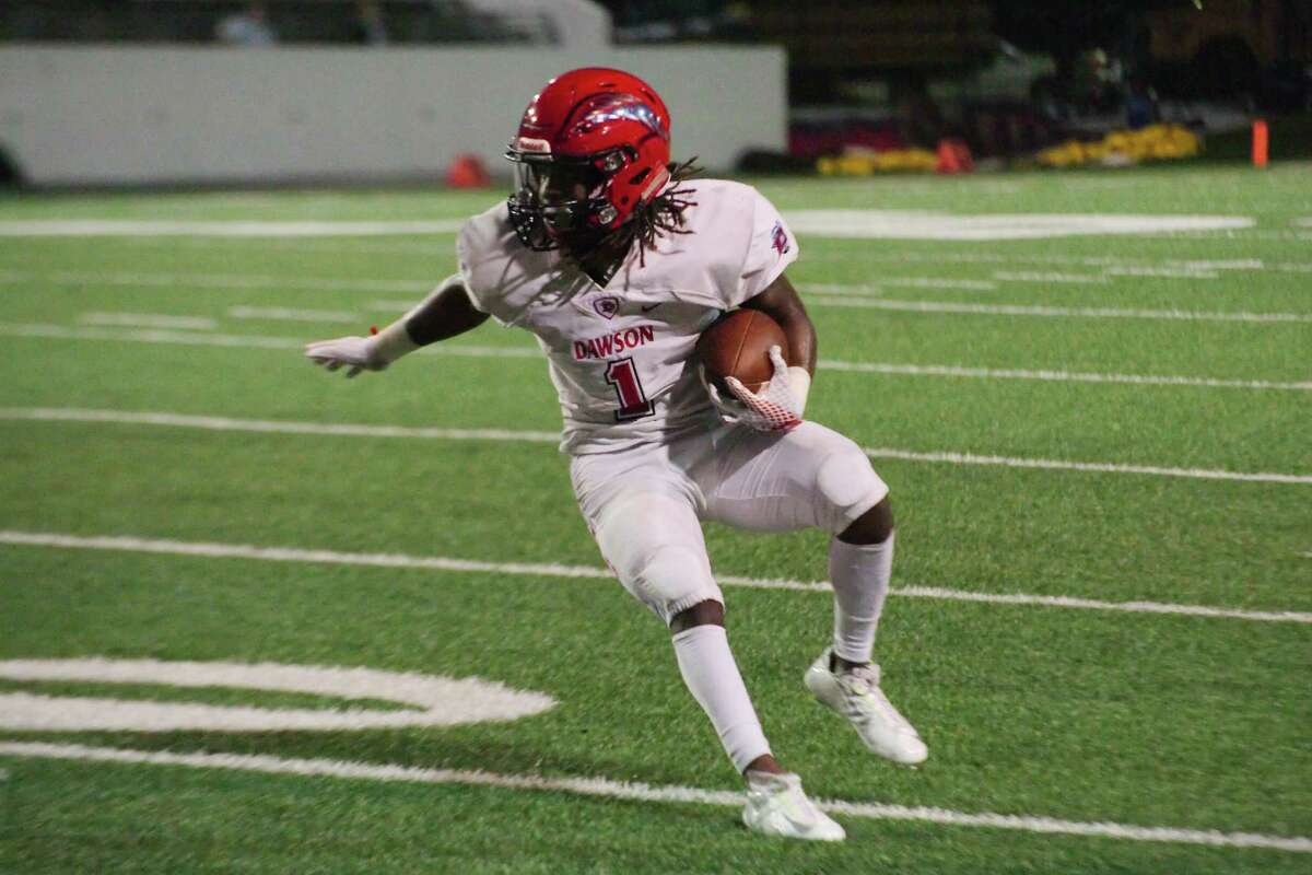 Dawson's Mason Pierce, shown here in action earlier this season against Pasadena Dobie, scored on a 10-yard run on fourth down in the fourth quarter to lift the Eagles to a 14-13 win over George Ranch Thursday night at Traylor Stadium.