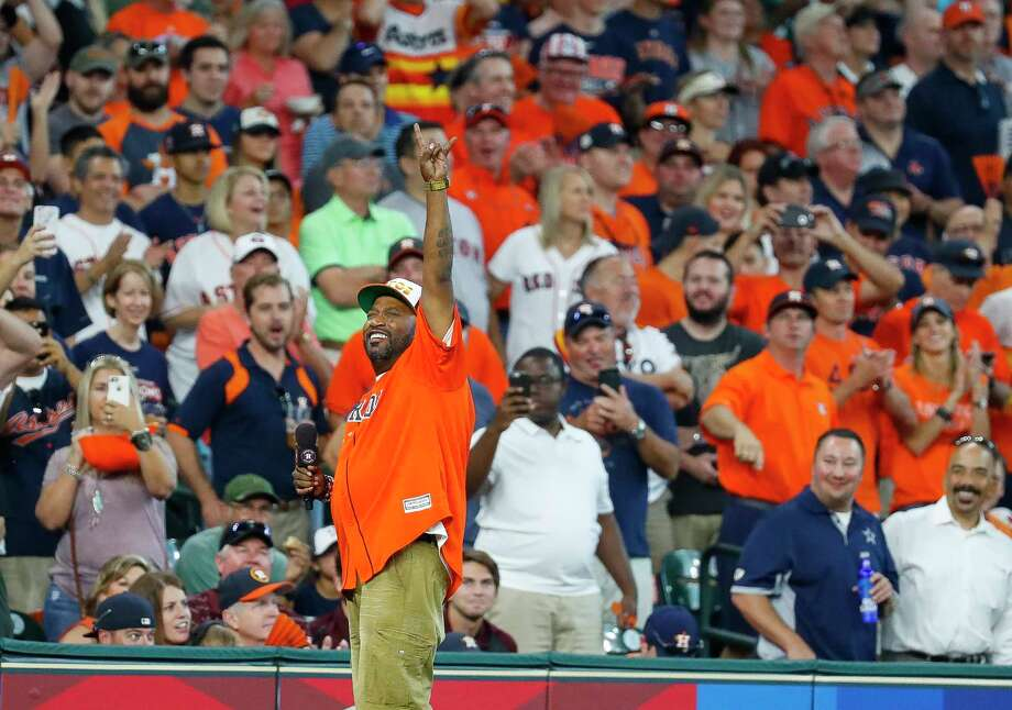 Bun B waves to the crowd before the first inning of Game 2 of the ALDS at Minute Maid Park on Friday, Oct. 6, 2017, in Houston. Photo: Karen Warren, Houston Chronicle / @ 2017 Houston Chronicle