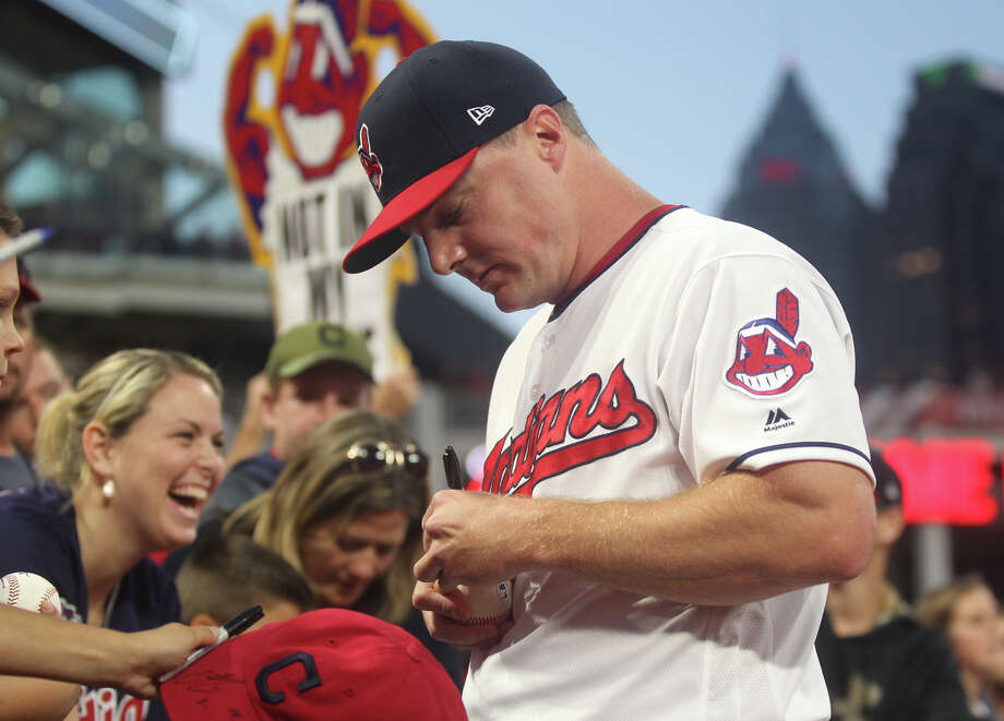Cleveland Indians right fielder Jay Bruce signs autographs prior to the start of the team's game against the New York Yankees in Game 1 of the American League Division Series on Thursday, Oct. 5, 2017, at Progressive Field in Cleveland. (Leah Klafczynski/Akron Beacon Journal/TNS) Photo: Leah Klafczynski, MBR / Akron Beacon Journal