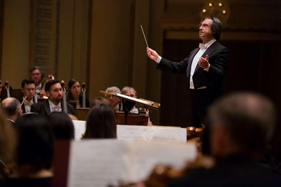 Conductor Riccardo Muti leads the Chicago Symphony Orchestra Photo: Todd Rosenberg, © Todd Rosenberg Photography