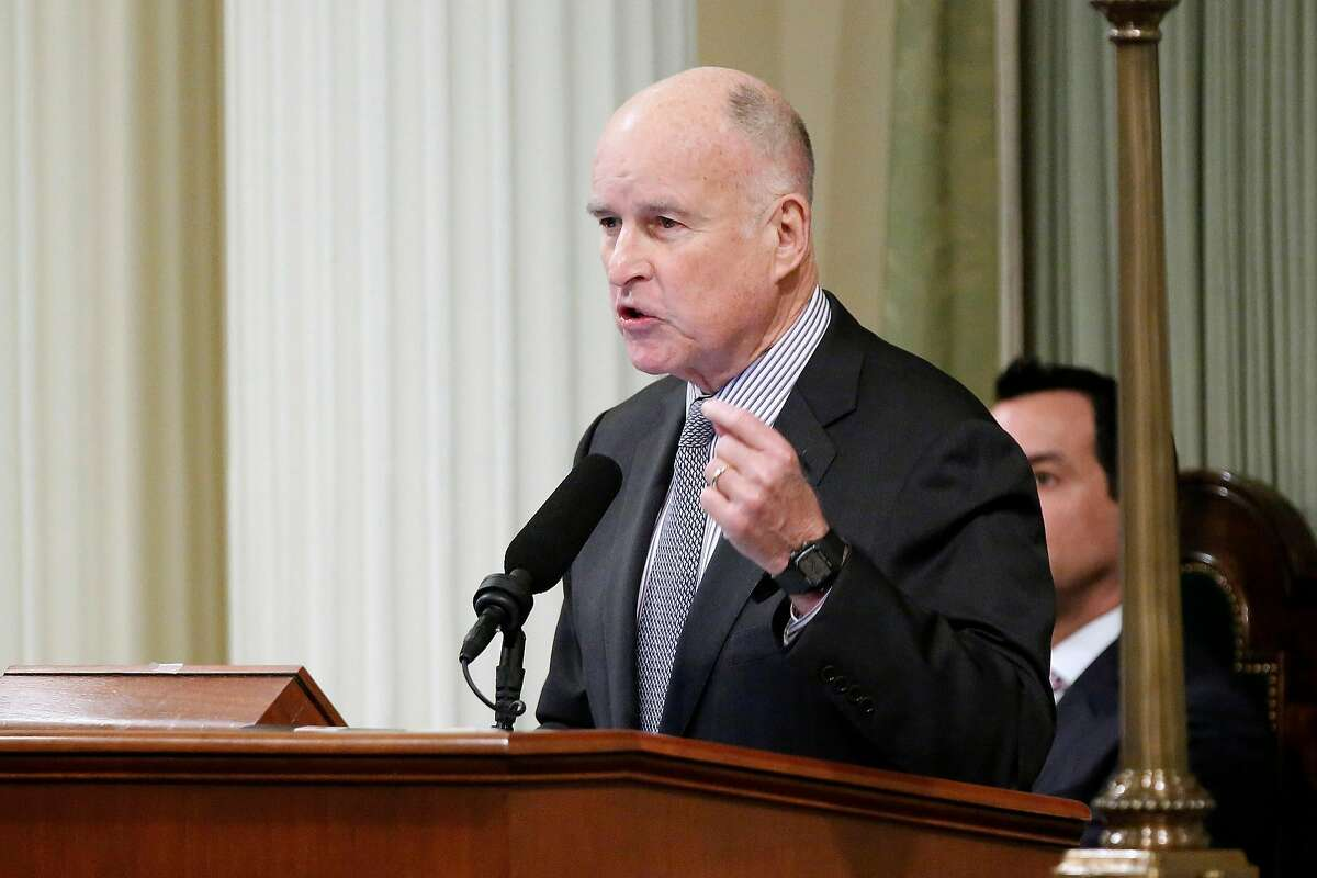 California Gov. Jerry Brown delivers his 2017 State of the State speech in the State Assembly Chambers at the State Capitol building in Sacramento, Calif., on Jan. 24, 2017. Brown signed legislation on Friday, Oct. 6, 2017, that allows sex offenders to petition to be removed from the lifetime registry. (Gary Coronado/Los Angeles Times/TNS)