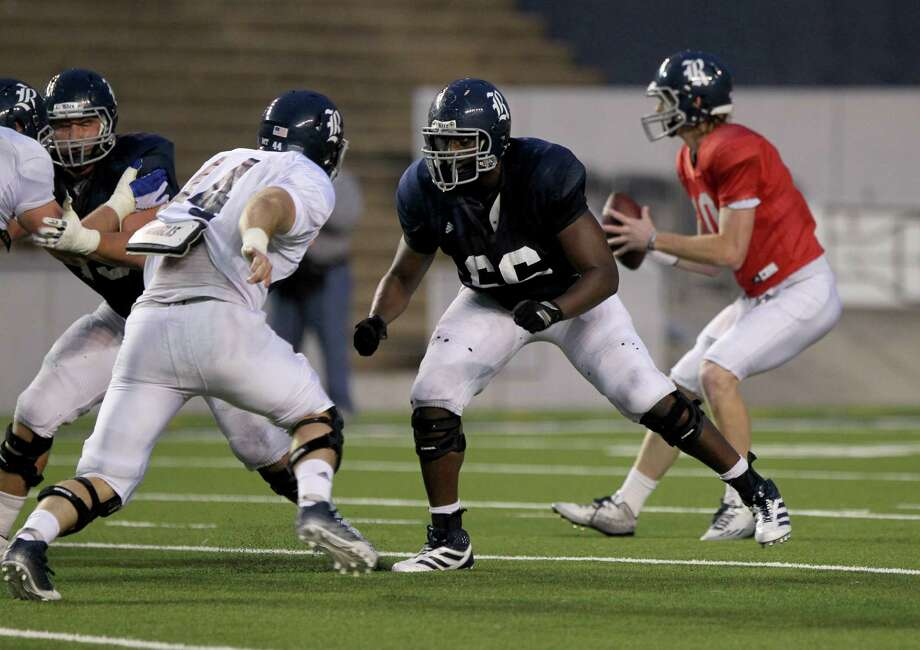 Rice left tackle Calvin Anderson will be facing his father Devry's alma mater, Army. Photo: Gary Coronado, Staff / © 2015 Houston Chronicle