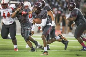 Heights running back Curtis Melrose  runs for a gain during first half action during Bellaire vs. Heights at Delmar Stadium Friday, Oct. 6, 2017, in Houston. ( Steve Gonzales / Houston Chronicle )