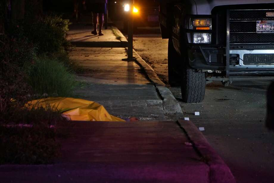 San Antonio police are investigating a fatal shooting that took place in  the 300 block of Cortez Avenue about 9:30 p.m. Friday on Oct. 6, 2017. Photo: Jacob Beltran