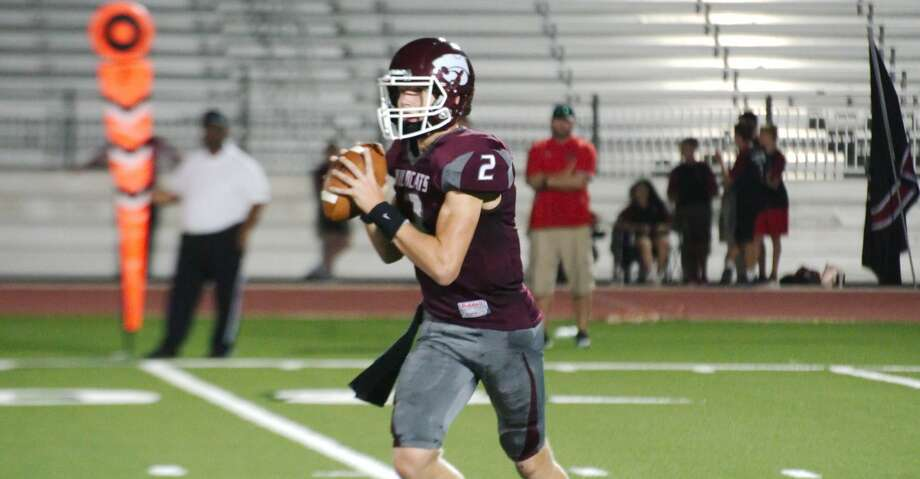 Clear Creek's Sam Mathews sets up to pass against Clear Brook Friday, Sep. 6 at CCISD Challenger Columbia Stadium. Photo: Kirk Sides/Kirk Sides/Houston Chronicle