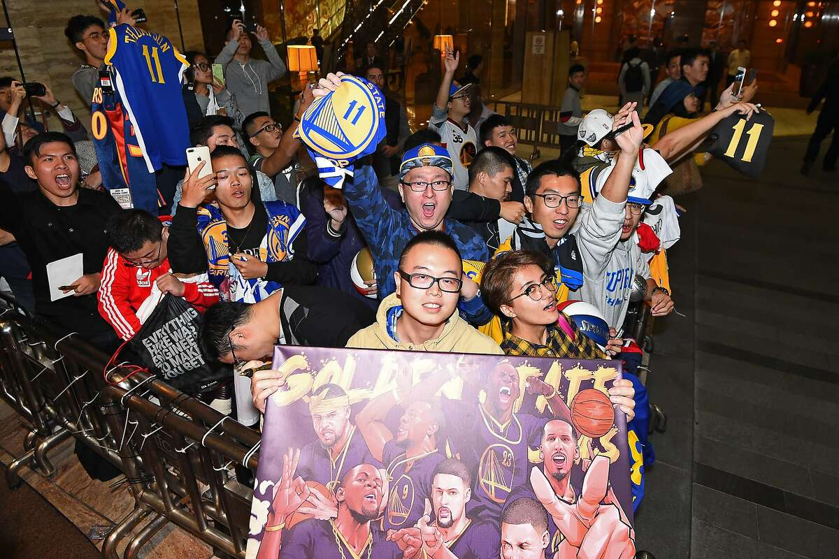 SHANGHAI, CHINA - OCTOBER 05: Fans line up for the Golden State Warriors arrival in Shanghai, China as part of 2017 NBA Global Games China on October 5, 2017. NOTE TO USER: User expressly acknowledges and agrees that, by downloading and/or using this Photograph, user is consenting to the terms and conditions of the Getty Images License Agreement. Mandatory Copyright Notice: Copyright 2017 NBAE (Photo by Noah Graham/NBAE via Getty Images)