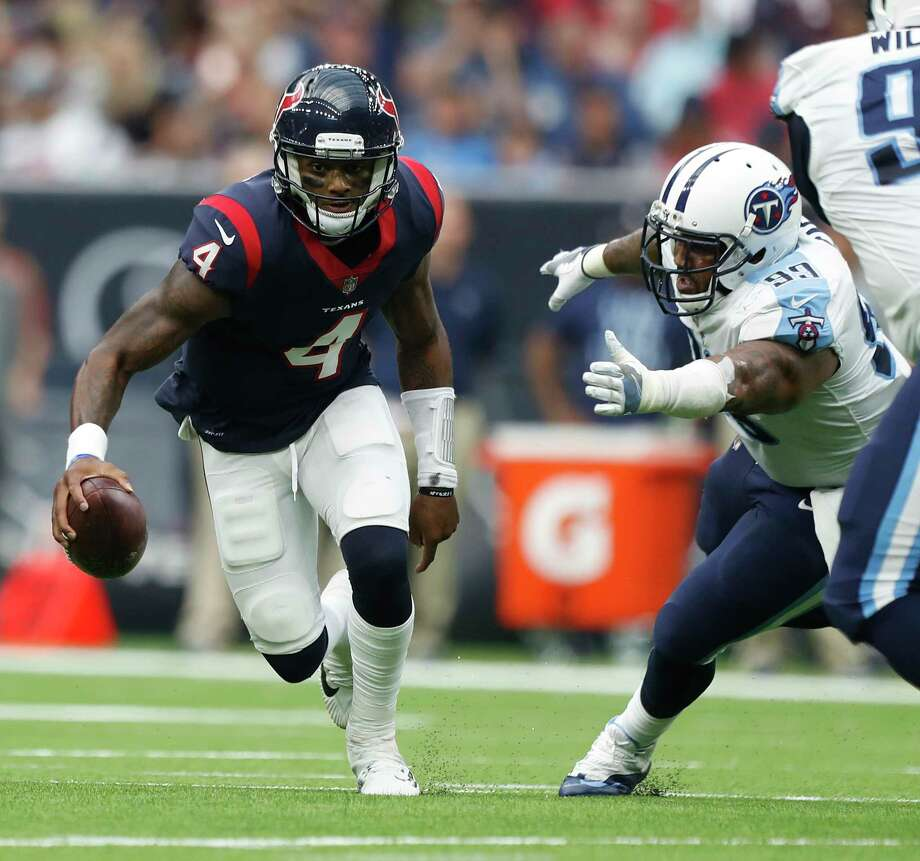 Deshaun Watson, left, accounted for five touchdowns last weekend, the second-most TDs in an NFL game by a rookie behind only Chicago's Gale Sayers in 1965. Photo: Karen Warren, Staff / @ 2017 Houston Chronicle