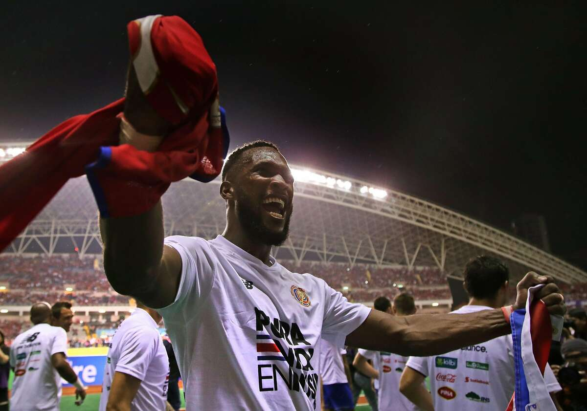 Costa Rica's Kendall Waston celebrates after qualifying for the FIFA 2018 World Cup, in San Jose on October 7, 2017. / AFP PHOTO / Jorge RENDONJORGE RENDON/AFP/Getty Images