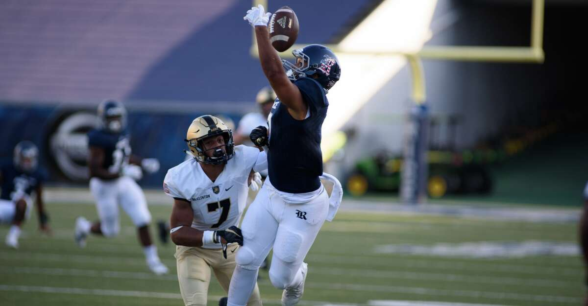 Rice Owls wide receiver Jordan Myers (7) attempts to makes a catch during the first quarter at Rice Stadium on Saturday, Oct. 7, 2017, in Houston TX