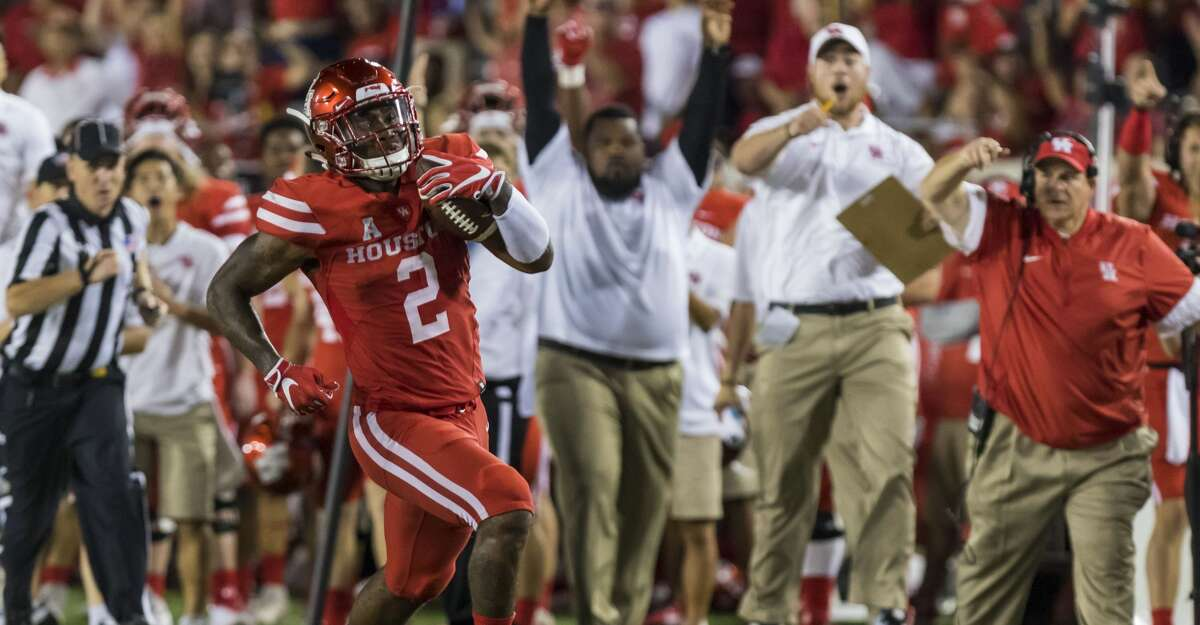 Houston running back Duke Catalon (2) carries the ball for a touchdown in the third quarter of an NCAA college football game at TDECU Stadium on Saturday, Oct. 7, 2017, in Houston, Texas. (Joe Buvid / For the Houston Chronicle)