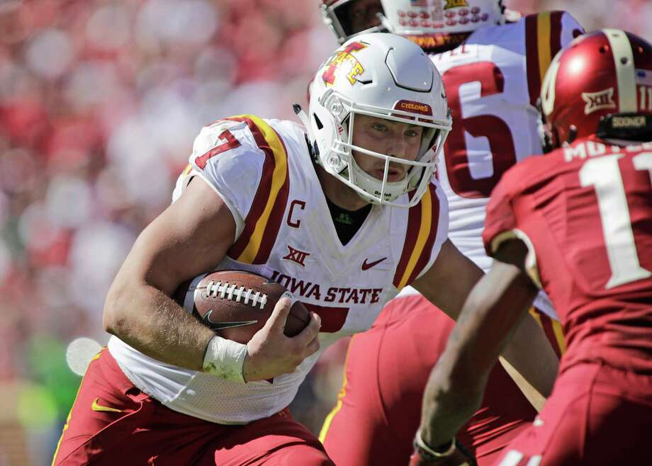 NORMAN, OK - OCTOBER 07: Quarterback Joel Lanning #7 of the Iowa State Cyclones runs against the Oklahoma Sooners at Gaylord Family Oklahoma Memorial Stadium on October 7, 2017 in Norman, Oklahoma. Iowa State defeated Oklahoma 38-31. (Photo by Brett Deering/Getty Images) ORG XMIT: 775042581 Photo: Brett Deering / 2017 Getty Images
