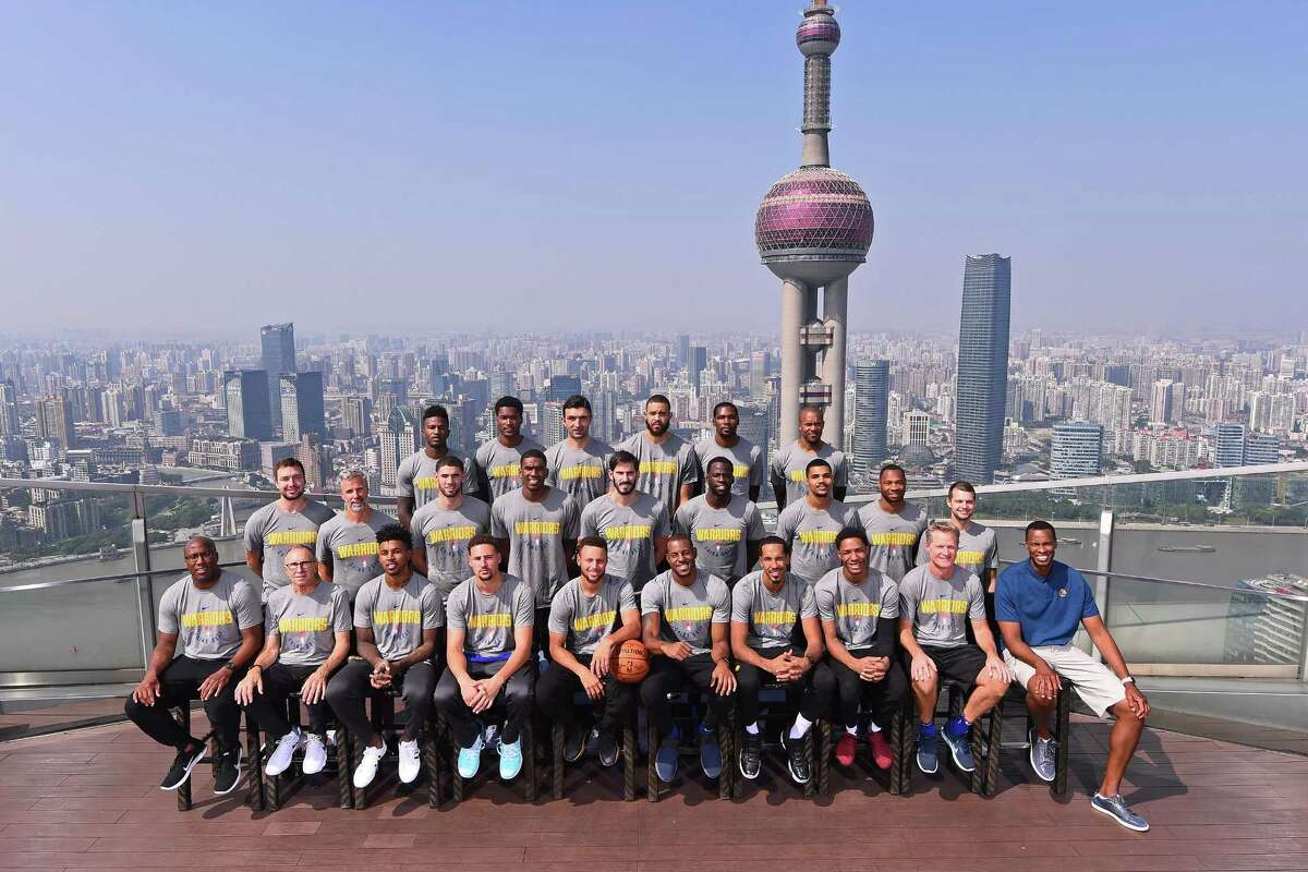 SHANGHAI, CHINA - OCTOBER 07: The Golden State Warriors pose for a team photo as part of 2017 NBA Global Games China on October 7, 2017 at the Ritz Carlton in Shanghai, China. NOTE TO USER: User expressly acknowledges and agrees that, by downloading and/or using this Photograph, user is consenting to the terms and conditions of the Getty Images License Agreement. Mandatory Copyright Notice: Copyright 2017 NBAE (Photo by Noah Graham/NBAE via Getty Images)