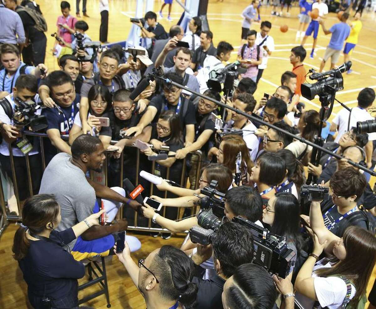 SHENZHEN, CHINA - OCTOBER 04: Kevin Durant #35 of the Golden State Warriors talks to press during practice and media availability at Shenzhen Gymnasium as part of 2017 NBA Global Games China on October 4, 2017 in Shenzhen, China. NOTE TO USER: User expressly acknowledges and agrees that, by downloading and/or using this Photograph, user is consenting to the terms and conditions of the Getty Images License Agreement. Mandatory Copyright Notice: Copyright 2017 NBAE (Photo by David Sherman/NBAE via Getty Images)