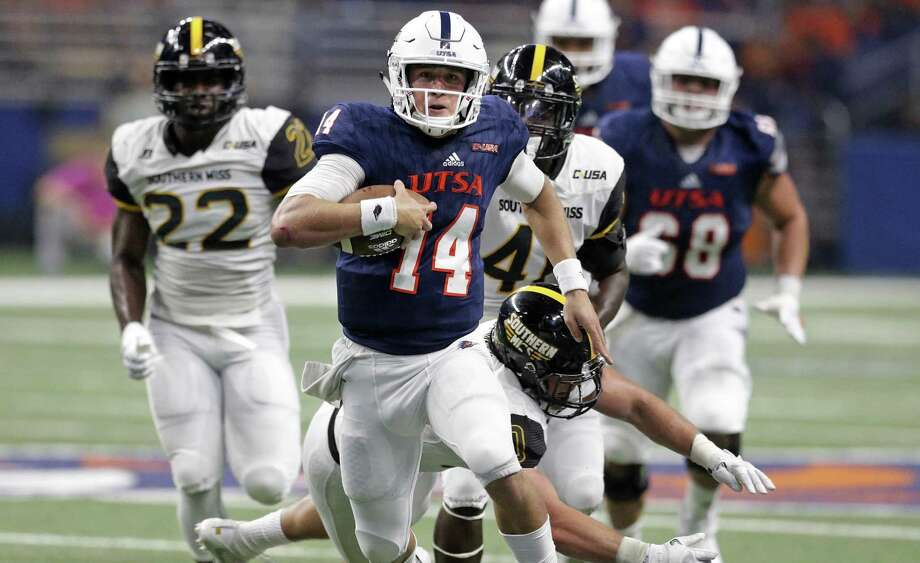 Roadrunner quarterback Dalton Sturm breaks into the clear for a long first half gain as UTSA plays Southern Mississippi at the Alamodome on October 7, 2017. Photo: Tom Reel, Staff / San Antonio Express-News / 2017 SAN ANTONIO EXPRESS-NEWS