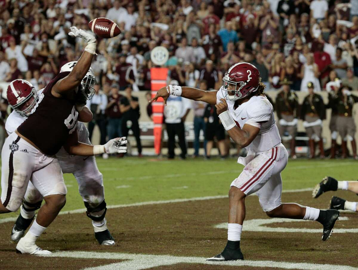 COLLEGE STATION, TX - OCTOBER 07: Jalen Hurts #2 of the Alabama Crimson Tide has his pass attempt knocked down by Kingsley Keke #88 of the Texas A&M Aggies in the fourth quarter at Kyle Field on October 7, 2017 in College Station, Texas. (Photo by Bob Levey/Getty Images)
