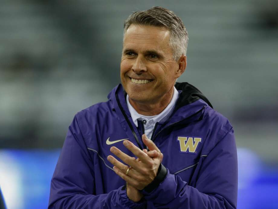 Head coach Chris Petersen of the Washington Huskies looks on prior to the game against the California Golden Bears at Husky Stadium on Oct. 7, 2017 in Seattle. Photo: Otto Greule Jr/Getty Images