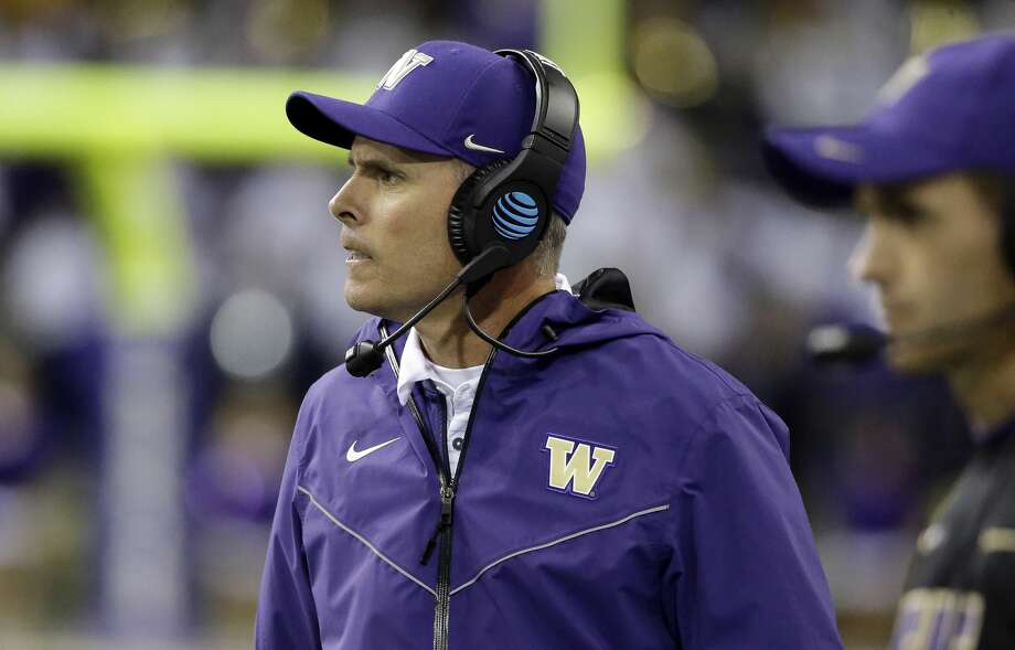 Washington head coach Chris Petersen looks on against California in the second half of an NCAA college football game Saturday, Oct. 7, 2017, in Seattle. Photo: Elaine Thompson/AP