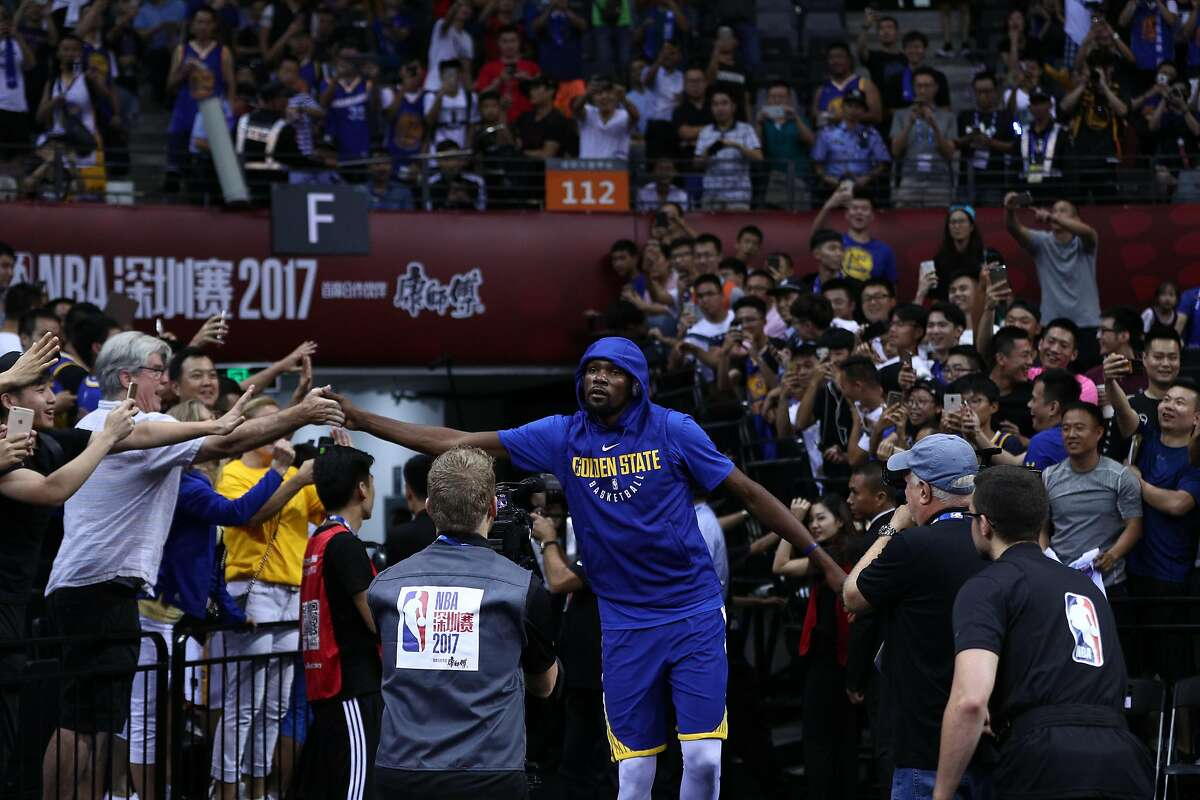 SHENZHEN, CHINA - OCTOBER 05: Kevin Durant #35 of the Golden State Warriors enters the court before the game between the Minnesota Timberwolves and the Golden State Warriors as part of 2017 NBA Global Games China at Universidade Center on October 5, 2017 in Shenzhen, China. (Photo by Zhong Zhi/Getty Images)