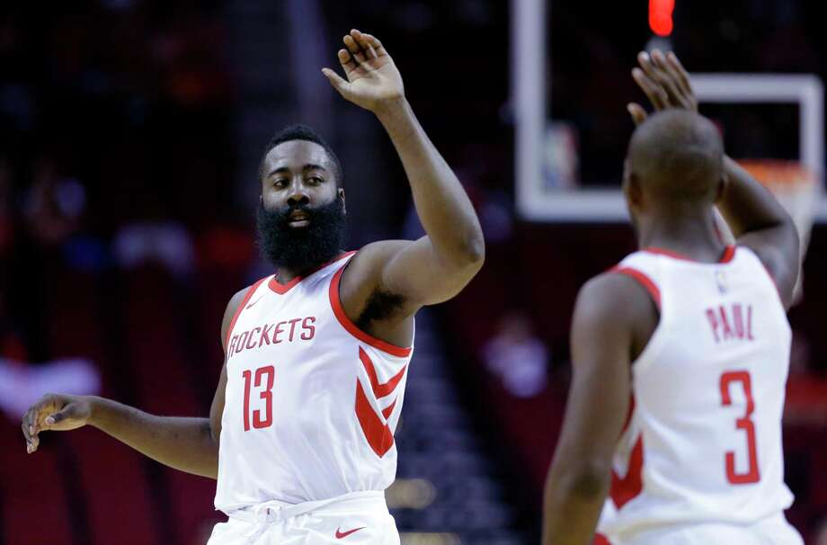 James Harden, left, and Chris Paul are sharing the ball. They are averaging a combined 19.5 assists in an average of 26.5 minutes each. Photo: Michael Wyke, FRE / © Associated Press 2017