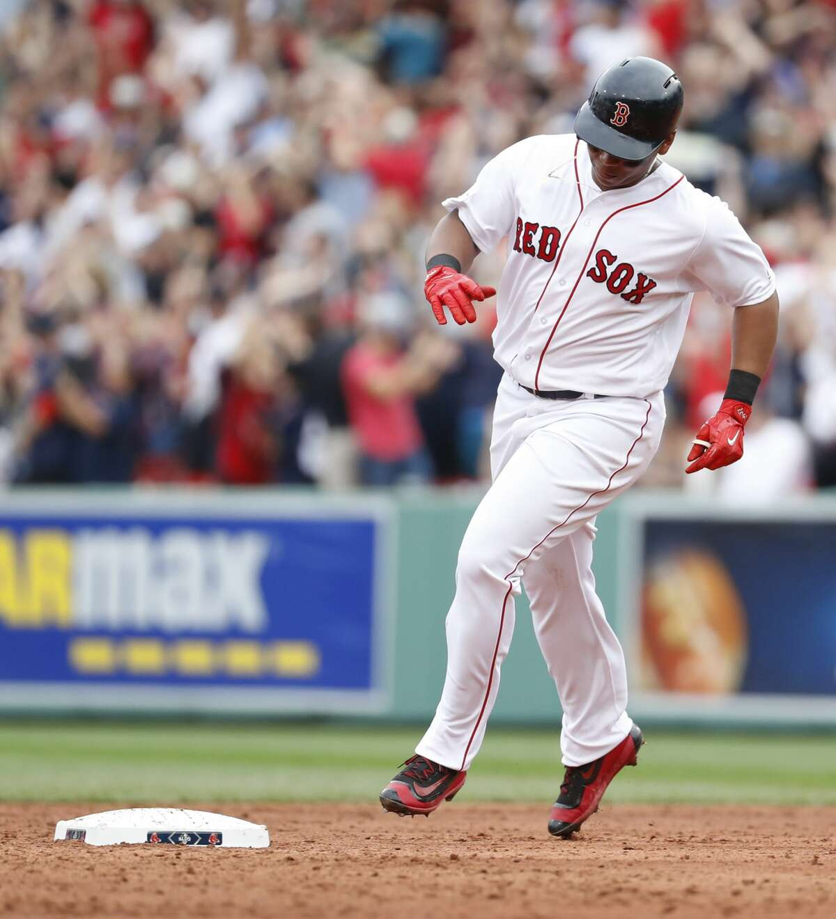 Boston Red Sox Rafael Devers runs the bases after his home run off of Astros relief pitcher Francisco Liriano during the third inning of the ALDS Game 3 at Fenway Park, Sunday, Oct. 8, 2017, in Boston . ( Karen Warren / Houston Chronicle )