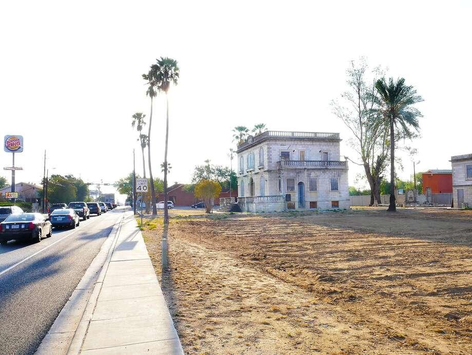 La Casa Canseco se ubica sobre la calle Chihuahua. Photo: Cuate Santos / Laredo Morning Times / Laredo Morning Times