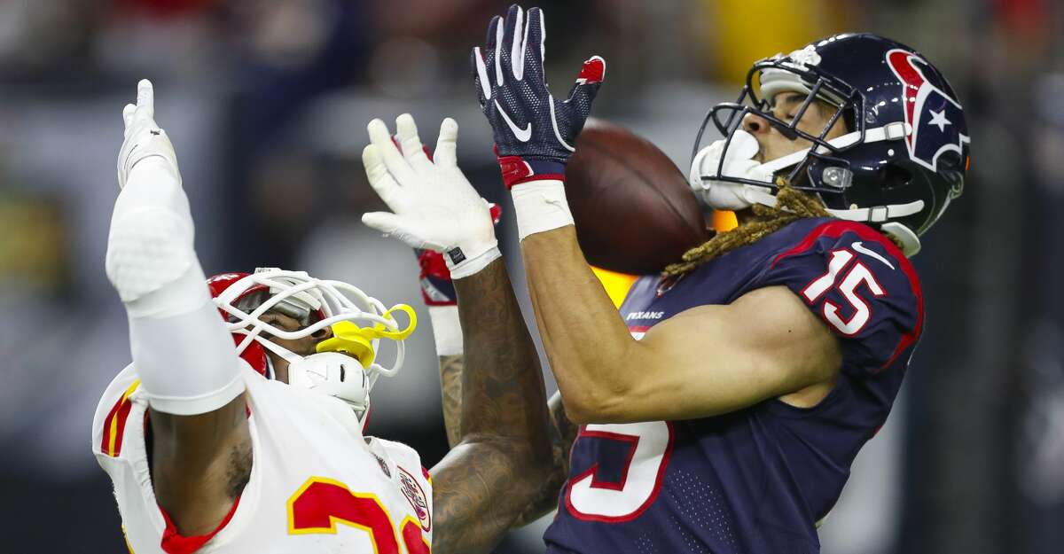 Houston Texans wide receiver Will Fuller (15) pulls in a 48 yard touchdown pass from quarterback Deshaun Watson (4) during the fourth quarter of an NFL football game at NRG Stadium on Sunday, Oct. 8, 2017, in Houston. ( Brett Coomer / Houston Chronicle )