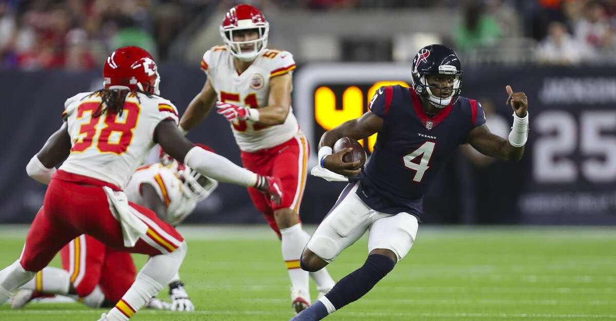 Houston Texans quarterback Deshaun Watson (4) scrambles during the second quarter of an NFL football game at NRG Stadium Sunday, Oct. 8, 2017 in Houston. ( Michael Ciaglo / Houston Chronicle)
